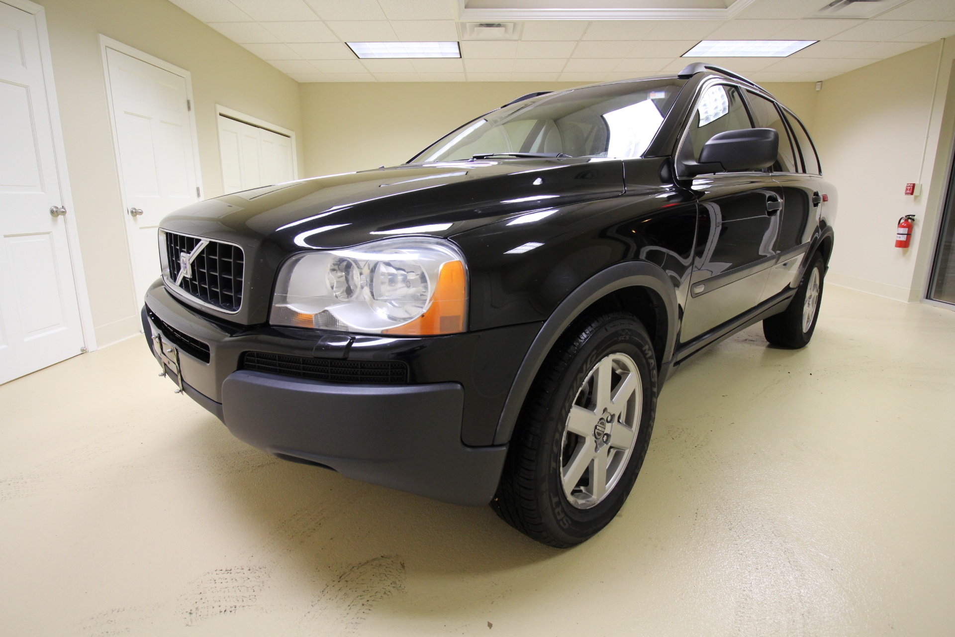 2006 Volvo XC90 2.5T AWD LEATHER,SUNROOF,HEATED SEATS,REAR ENTERTAINMENT 2 TV'S DVD Stock ...