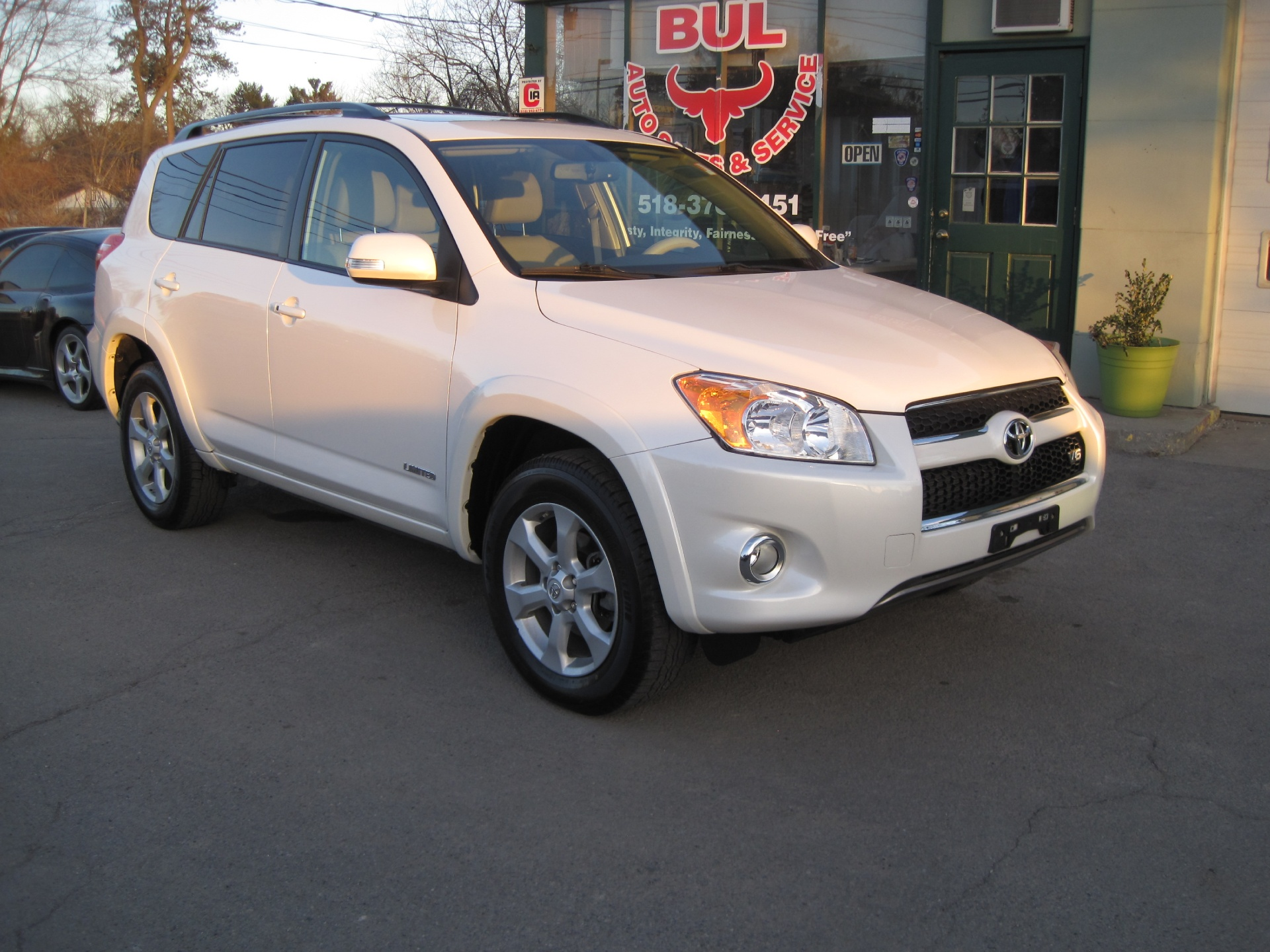 2012 toyota rav4 limited 4x4 4wd like new inside and out super low miles stock 15037 for sale. Black Bedroom Furniture Sets. Home Design Ideas