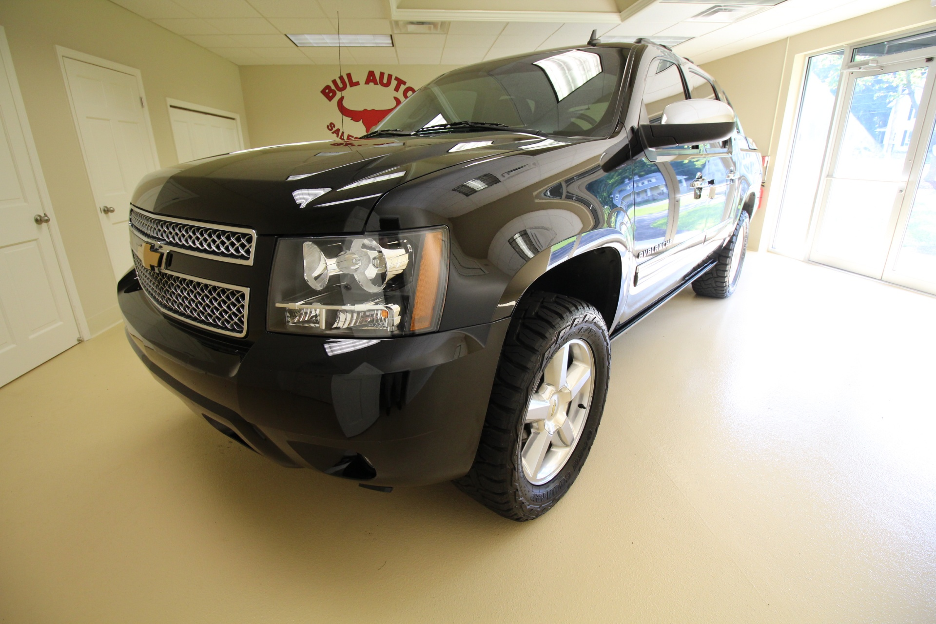 2012 chevrolet avalanche ltz 4wd 4x4 loaded navigation sunroof leather heated seats stock. Black Bedroom Furniture Sets. Home Design Ideas