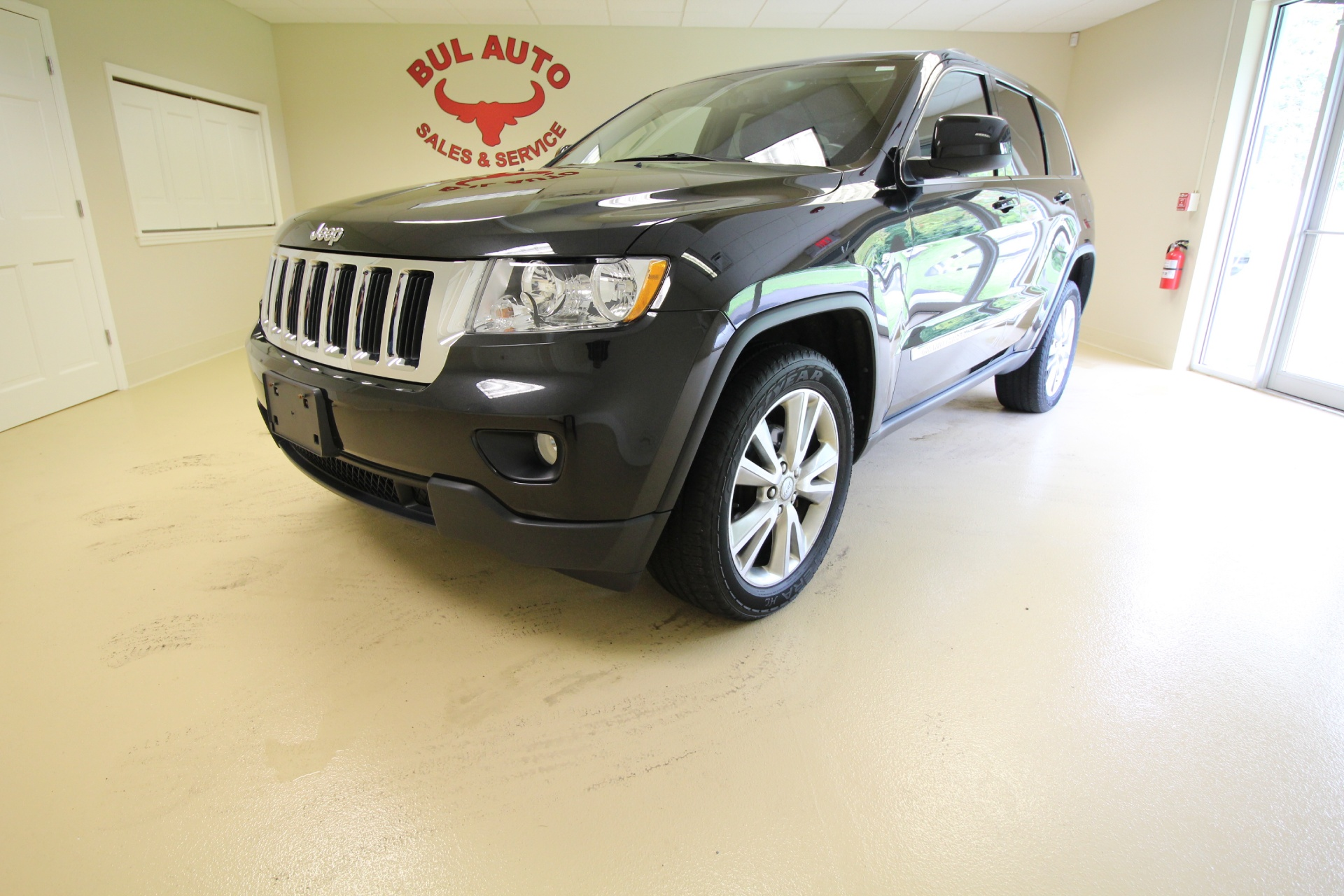2012 jeep grand cherokee laredo navigation leather rearview back up camera heated seats stock. Black Bedroom Furniture Sets. Home Design Ideas