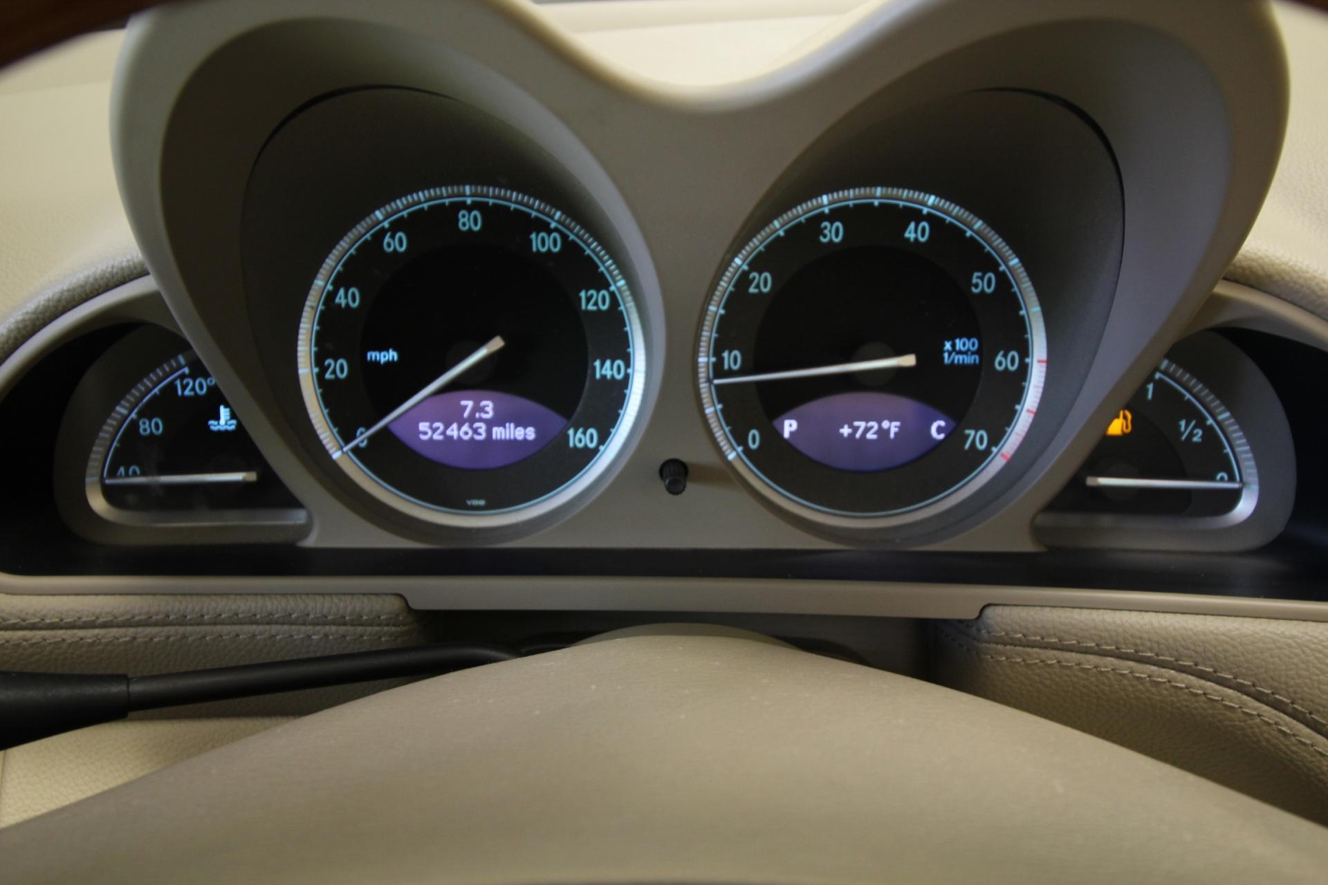 Used 2005 Mercedes-Benz SL-Class SL500 SUPER CLEAN,KEYLESS GO | Albany, NY
