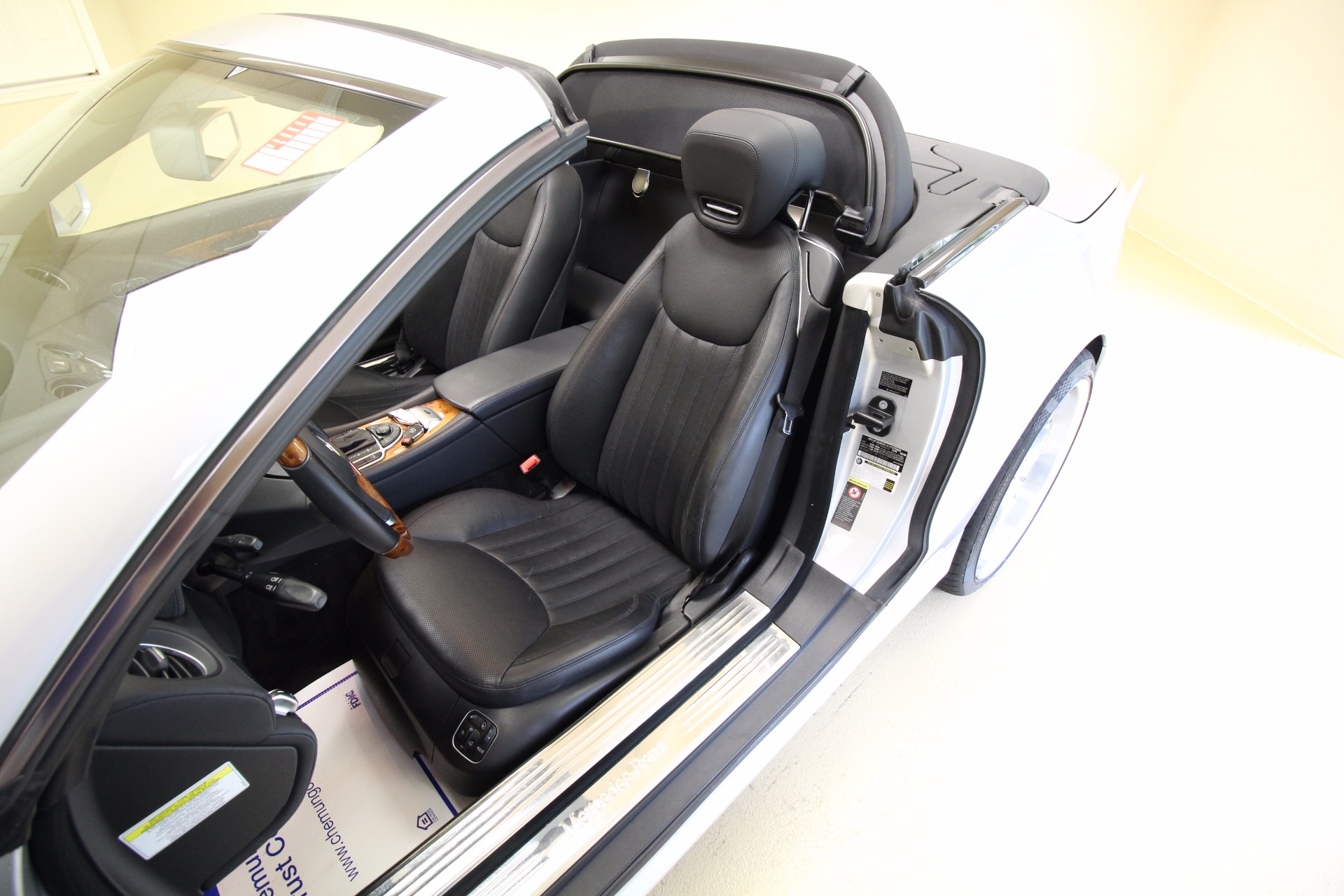 owned roadster inventory pre used wheel drive benz rear convertible class mercedes sl