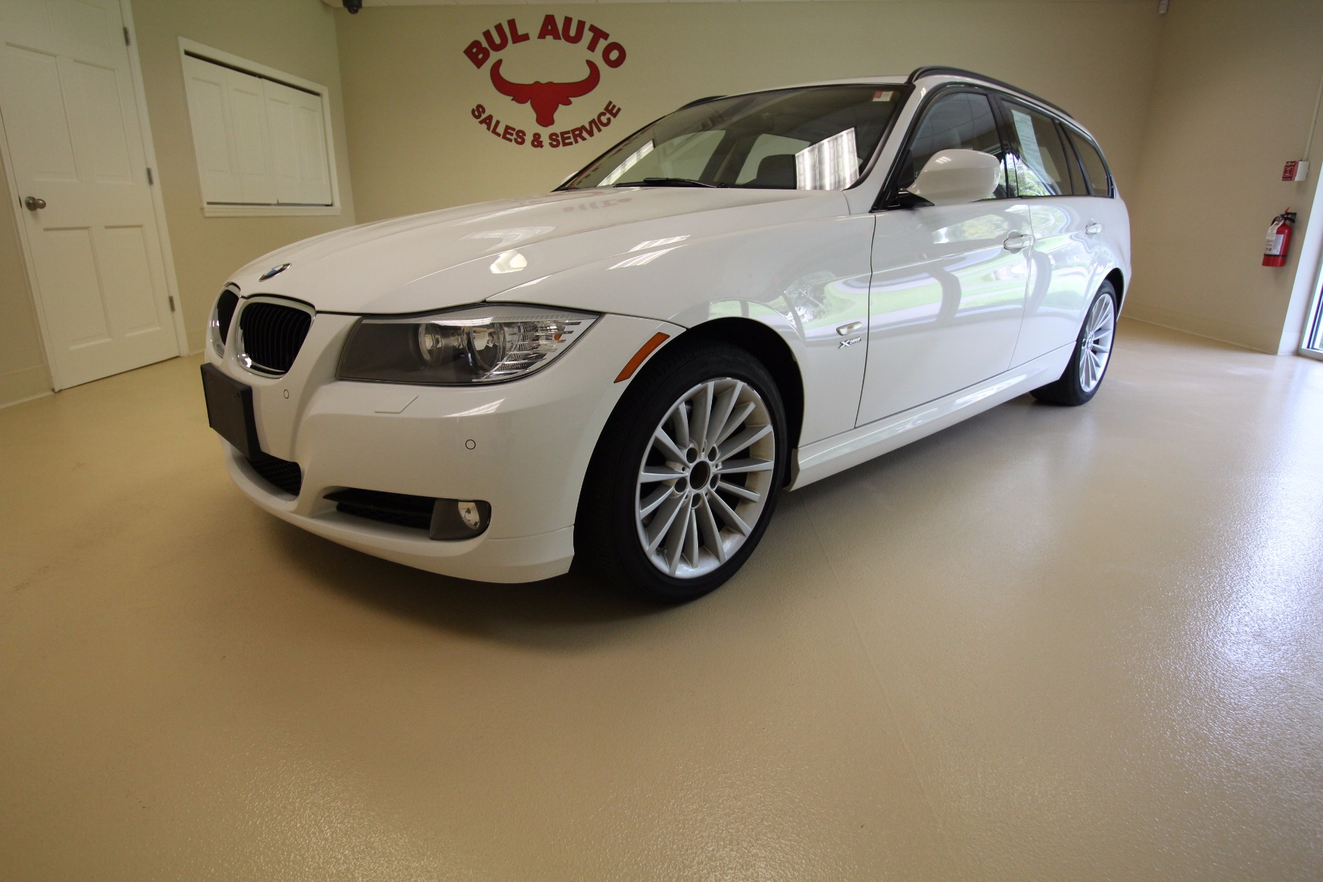 2011 bmw 3 series sport wagon 328i xdrive stock 17147. Black Bedroom Furniture Sets. Home Design Ideas