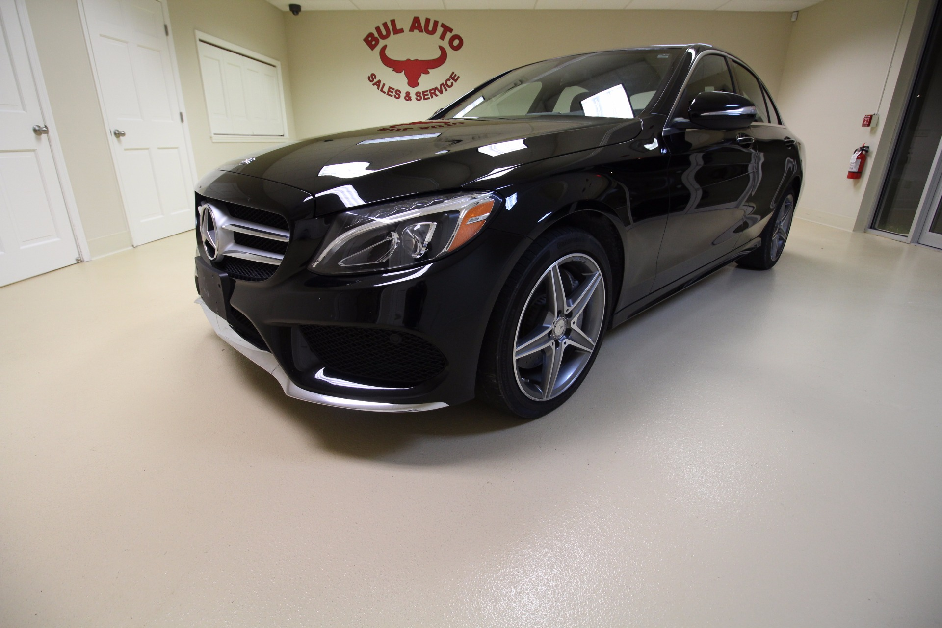 2015 mercedes benz c class c300 4matic sedan stock 17223 for Mercedes benz c300 tire size
