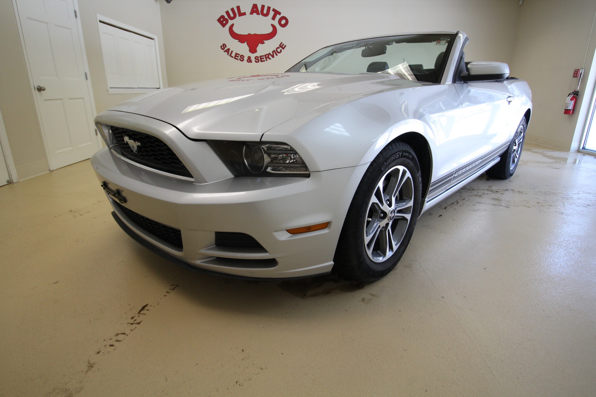 2014 ford mustang v6 convertible stock 17249 for sale. Black Bedroom Furniture Sets. Home Design Ideas