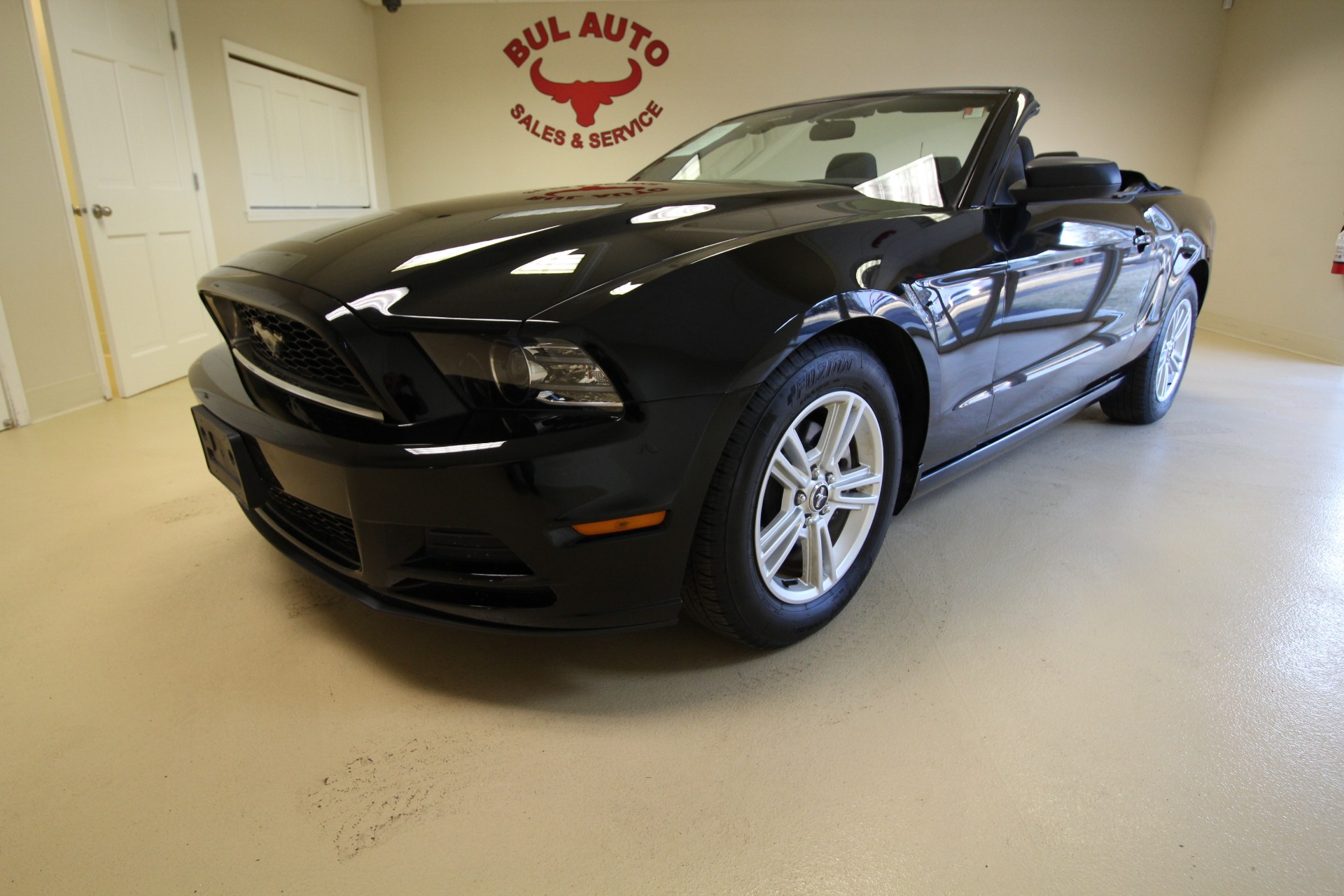 2014 ford mustang v6 convertible stock 17250 for sale near albany ny ny ford dealer for. Black Bedroom Furniture Sets. Home Design Ideas
