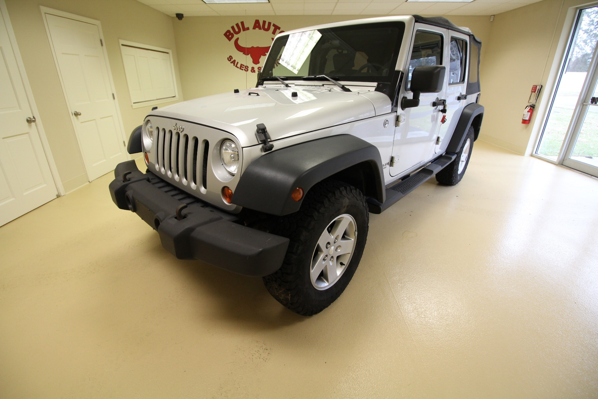 2010 jeep wrangler unlimited sport 4wd stock 18254 for sale near albany ny ny jeep dealer. Black Bedroom Furniture Sets. Home Design Ideas