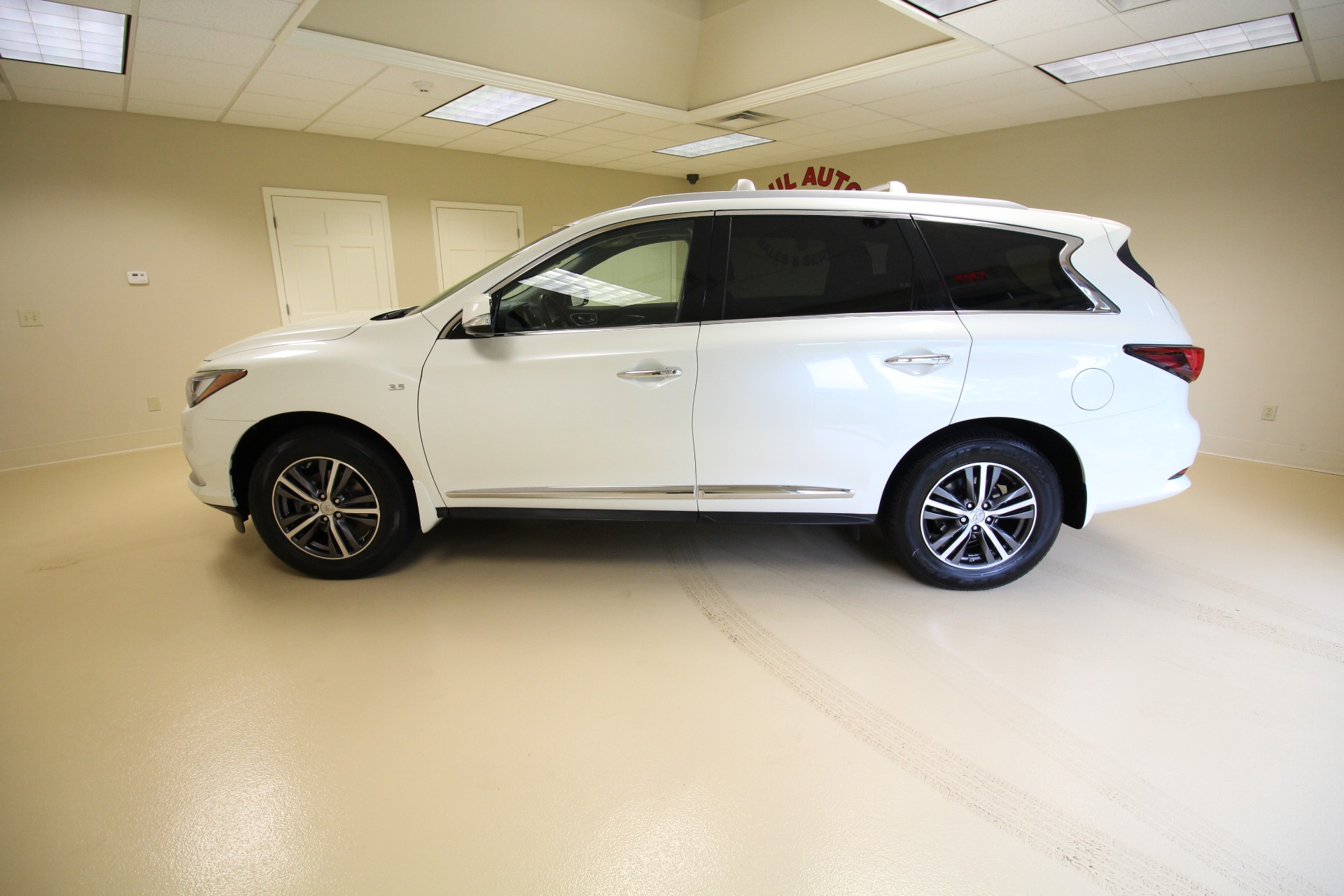 Used 2016 Infiniti QX60 AWD LOADED WITH OPTIONS VERY CLEAN LOW MILES | Albany, NY