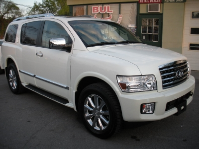 2010 Infiniti QX56 4WD TECHNOLOGY,REAR ENTERTAINMENT
