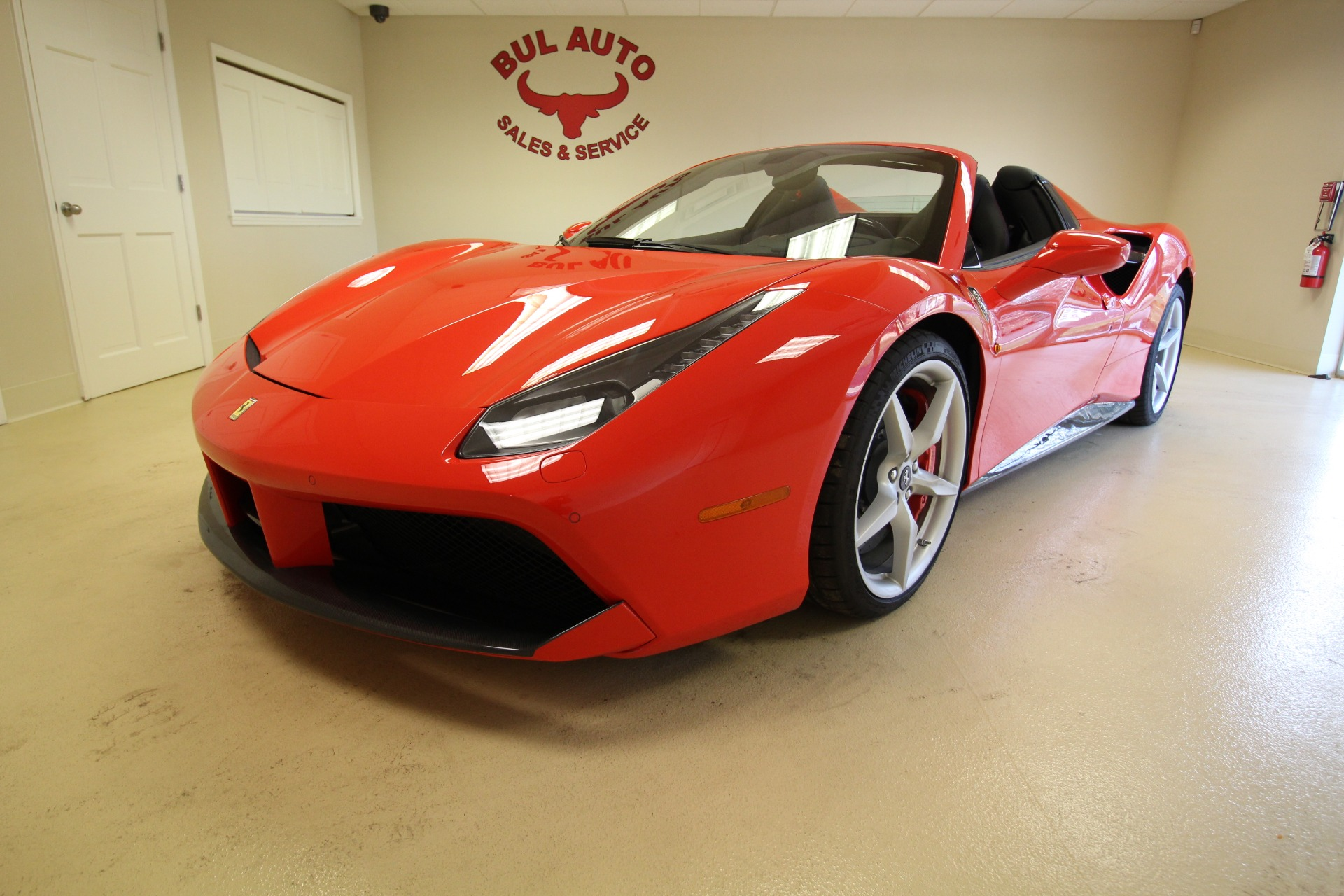 Used 2018 Ferrari 488 Spider HEAVILY OPTIONEDALL CARBON FIBERLIKE NEW | Albany, NY
