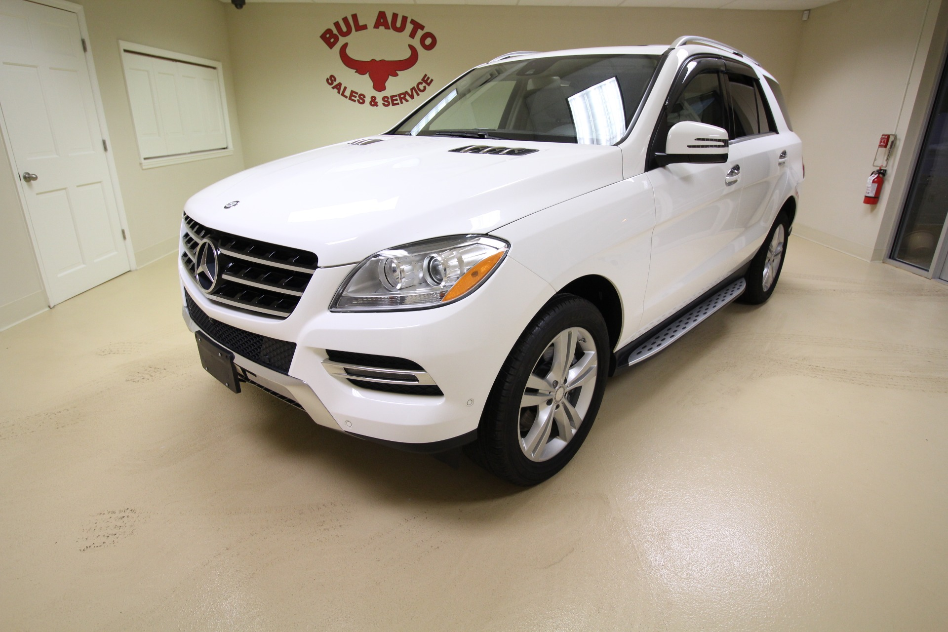 Used 2015 Mercedes-Benz M-Class ML350 4MATIC SUPER CLEAN VERY WELL OPTIONED LOW MILES | Albany, NY
