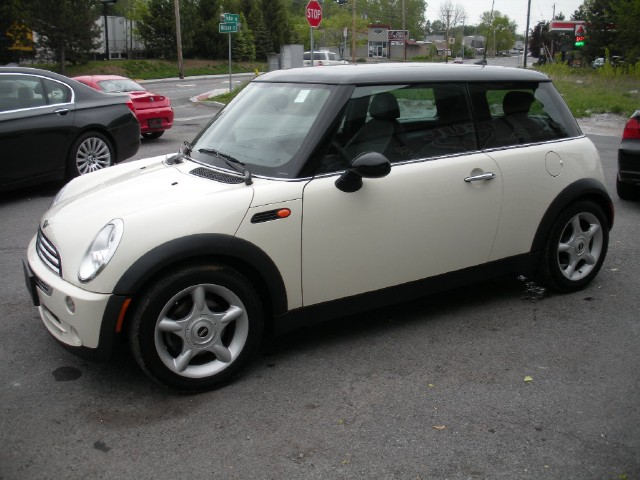 Used 2006 MINI Cooper AUTOMATIC COUPE | Albany, NY