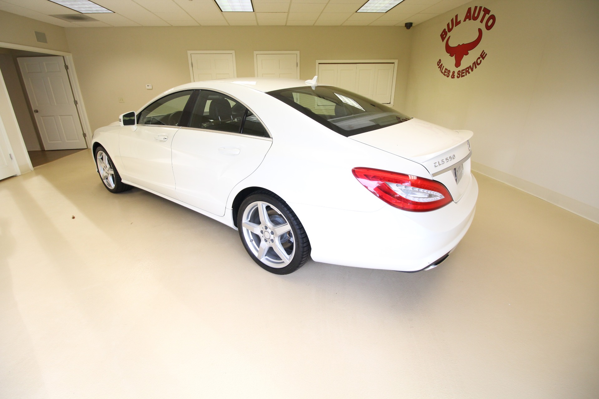 Used 2012 Mercedes-Benz CLS-Class CLS550 DIAMOND WHITE SUPER CLEAN SUPER LOW MILES | Albany, NY