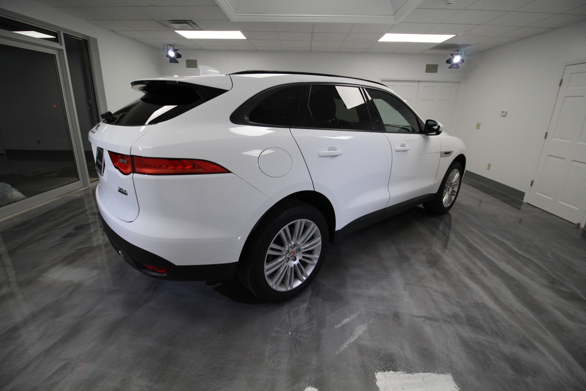 Used 2017 Jaguar F-Pace 35t PREMIUM V6 LOADED HARD TO FIND WHITE LOW MILES | Albany, NY