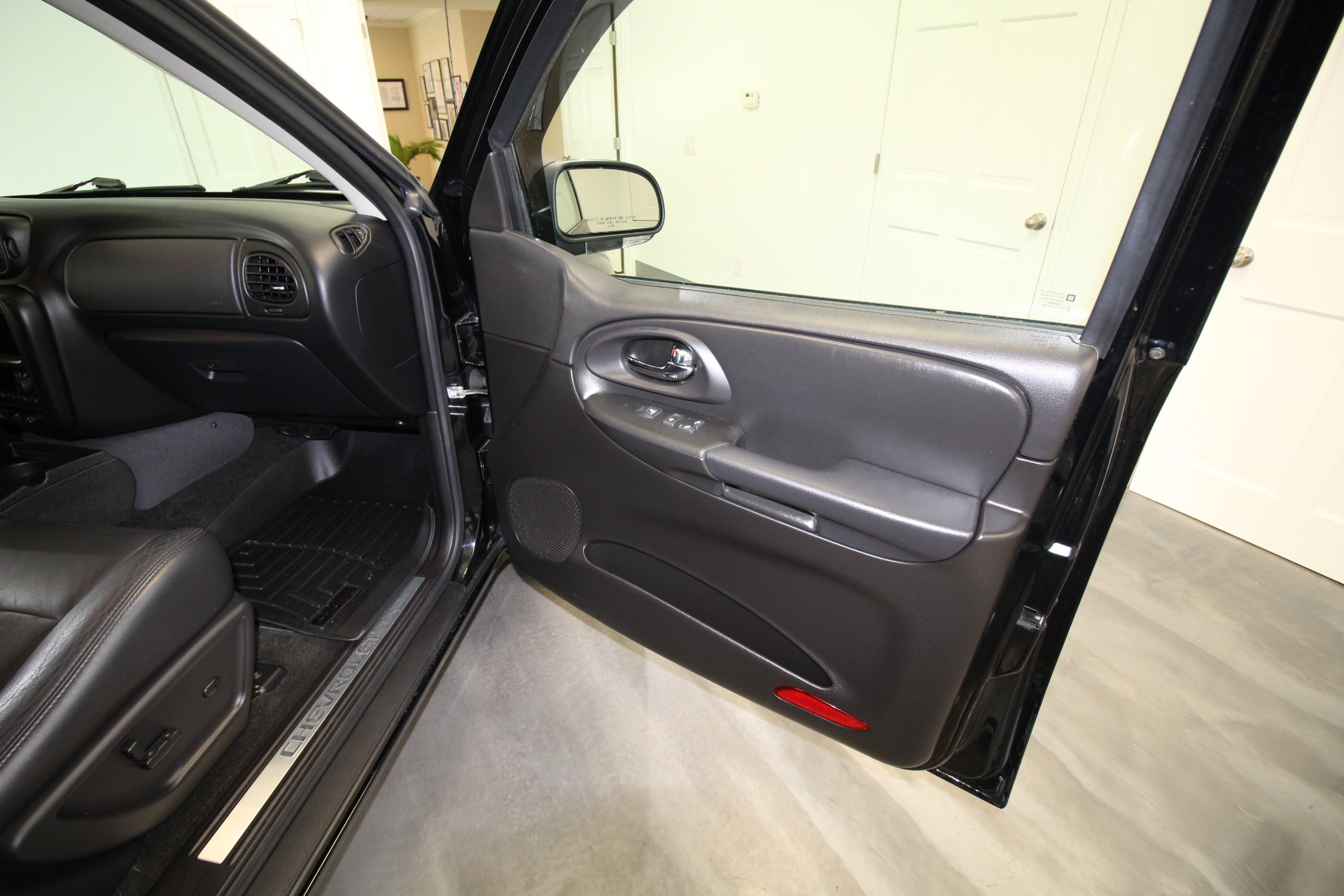 Used 2006 Chevrolet TrailBlazer SS LT COLLECTOR''''S QUALITY SUPERB INSIDE AND OUT LOW MILES 56K   Albany, NY