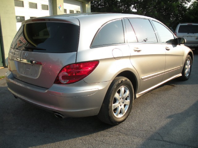 Used 2006 Mercedes-Benz R-Class 4MATIC AWD R350 4MATIC AWD | Albany, NY