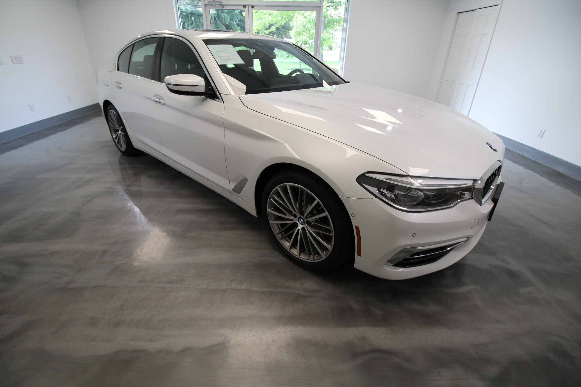 Used 2017 BMW 5-Series 540i xDrive LOADED WITH OPTIONS LOW MILES HARD TO FIND COLORS   Albany, NY
