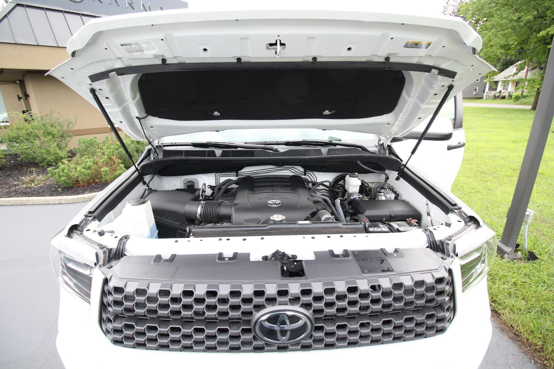 Used 2018 Toyota Tundra SR5 5.7L V8 CrewMax 4WD 1 Owner Like New Local Trade | Albany, NY