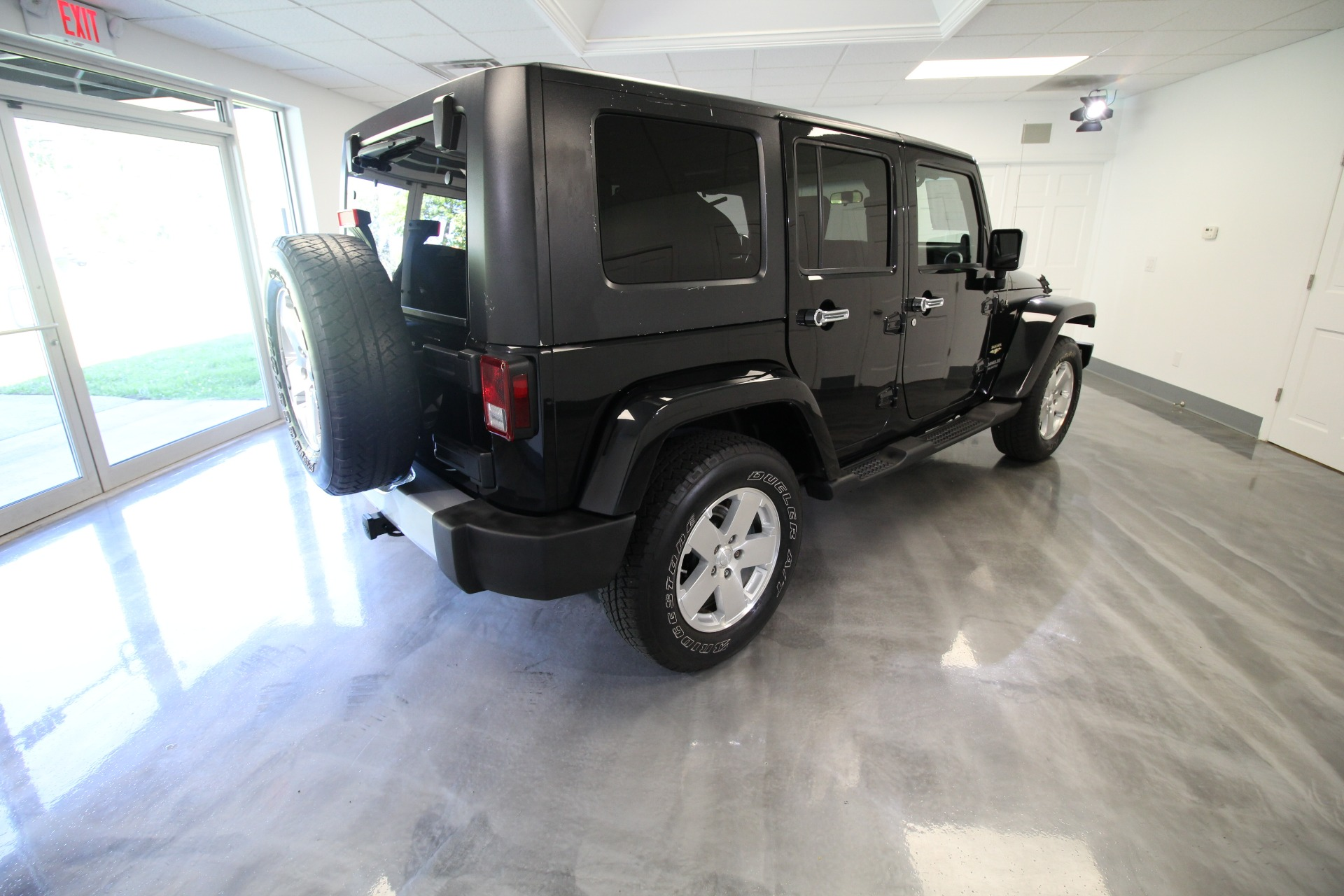 Used 2009 Jeep Wrangler UNLIMITED SAHARA 4WD LOW MILES SUPER CLEAN | Albany, NY