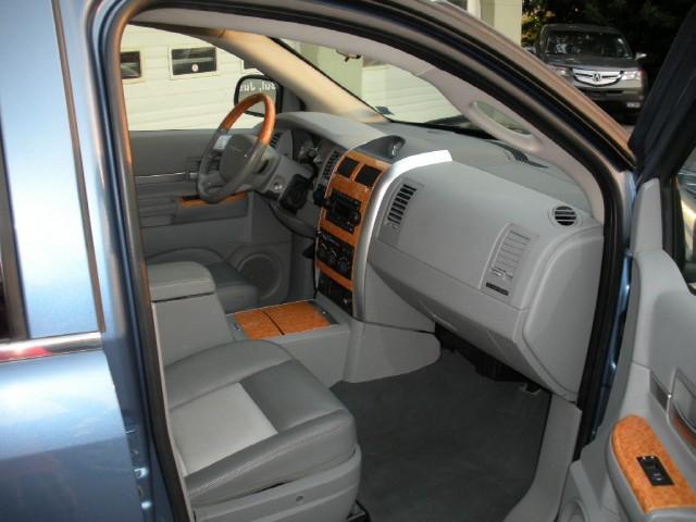 Used 2007 Chrysler Aspen Limited 4x4 | Albany, NY