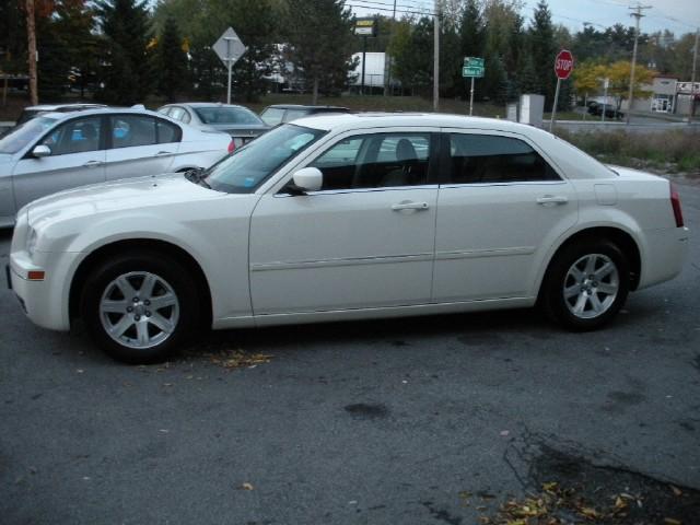 Used 2007 Chrysler 300 Touring | Albany, NY