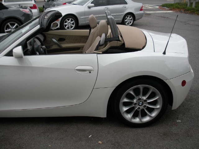 Used 2004 BMW Z4 2.5i 5 SPEED MANUAL,SPORT+PREMIUM PACKAGES | Albany, NY