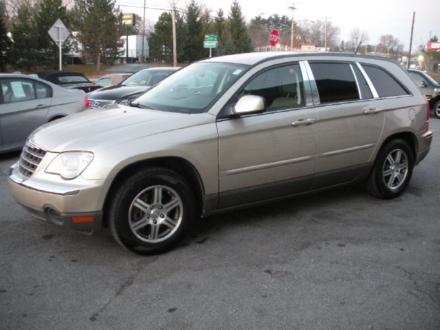 Used 2007 Chrysler Pacifica Touring FWD,FULLY SERVICED,3RD ROW SEAT | Albany, NY