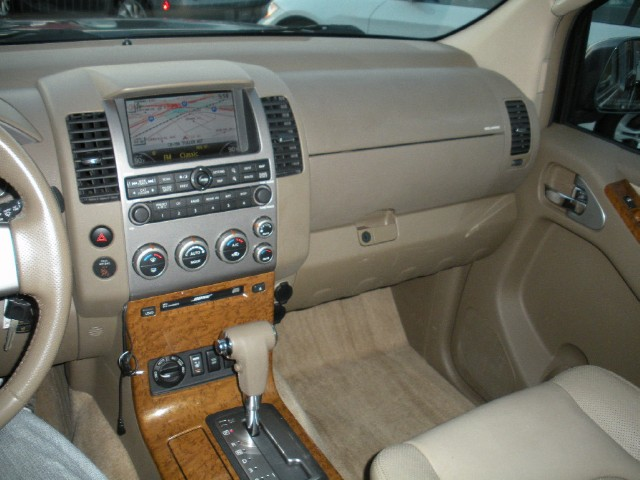 Used 2005 Nissan Pathfinder LE LEATHER,SUNROOF,NAVIGATION,3RD ROW SEAT | Albany, NY