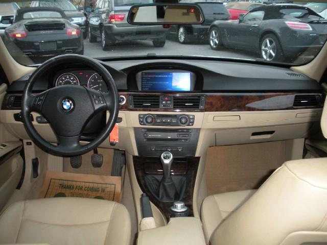 2006 BMW 3 Series 325xi AWD,RARE 6 SPEED MANUAL,NAVIGATION+