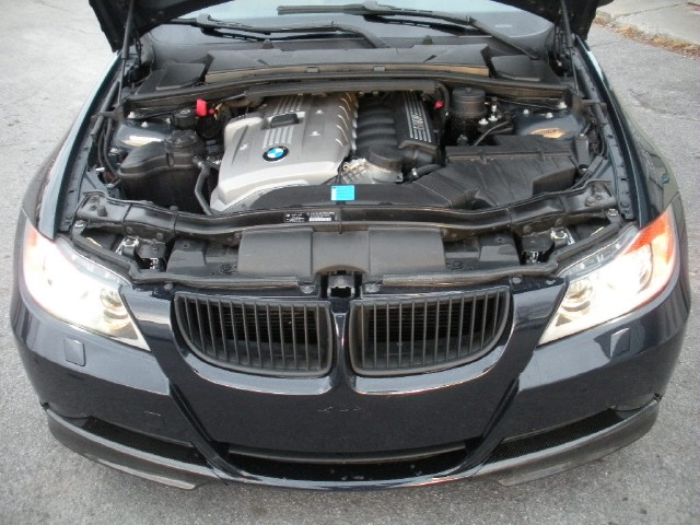 Used 2006 BMW 3 Series 330i RARE 6 speed,SPORT+PREMIUM+COLD WEATHER PKGS WITH 6 SPEED MANUAL   Albany, NY