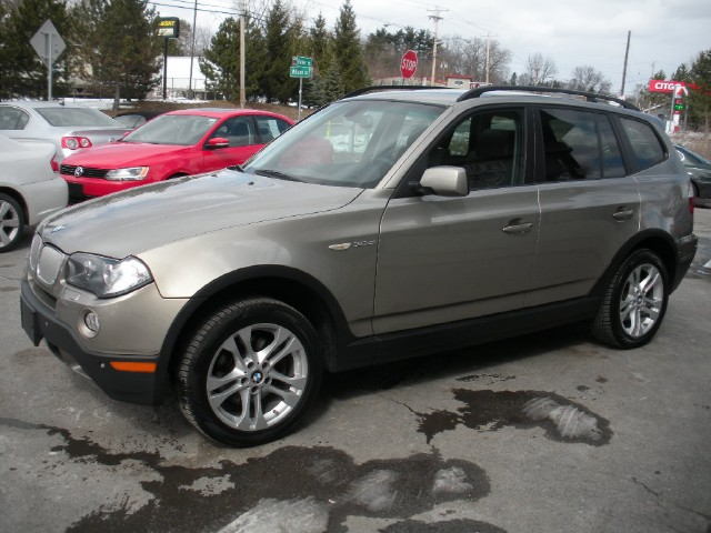 Used 2007 BMW X3 3.0si SUPER NICE,LOADED,XENONS,PREMIUM+COLD WEATHER PKGS,18in WHEELS,COMFOR | Albany, NY