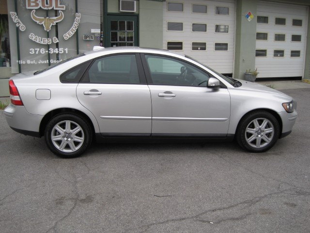 Used 2007 Volvo S40 2.4i AUTOMATIC,VERY CLEAN,JUST TRADED-IN WITH US | Albany, NY