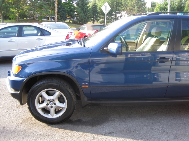 Used 2001 BMW X5 3.0i SUPER CLEAN AND NICE,1 OWNER,LOCAL TRADE IN | Albany, NY