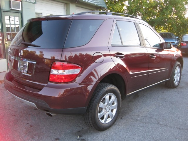 Used 2006 Mercedes-Benz M-Class ML350 4MATIC AWD   Albany, NY