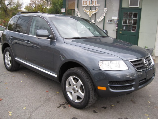 2005 volkswagen touareg v6 4motion awd leather sunroof 2. Black Bedroom Furniture Sets. Home Design Ideas