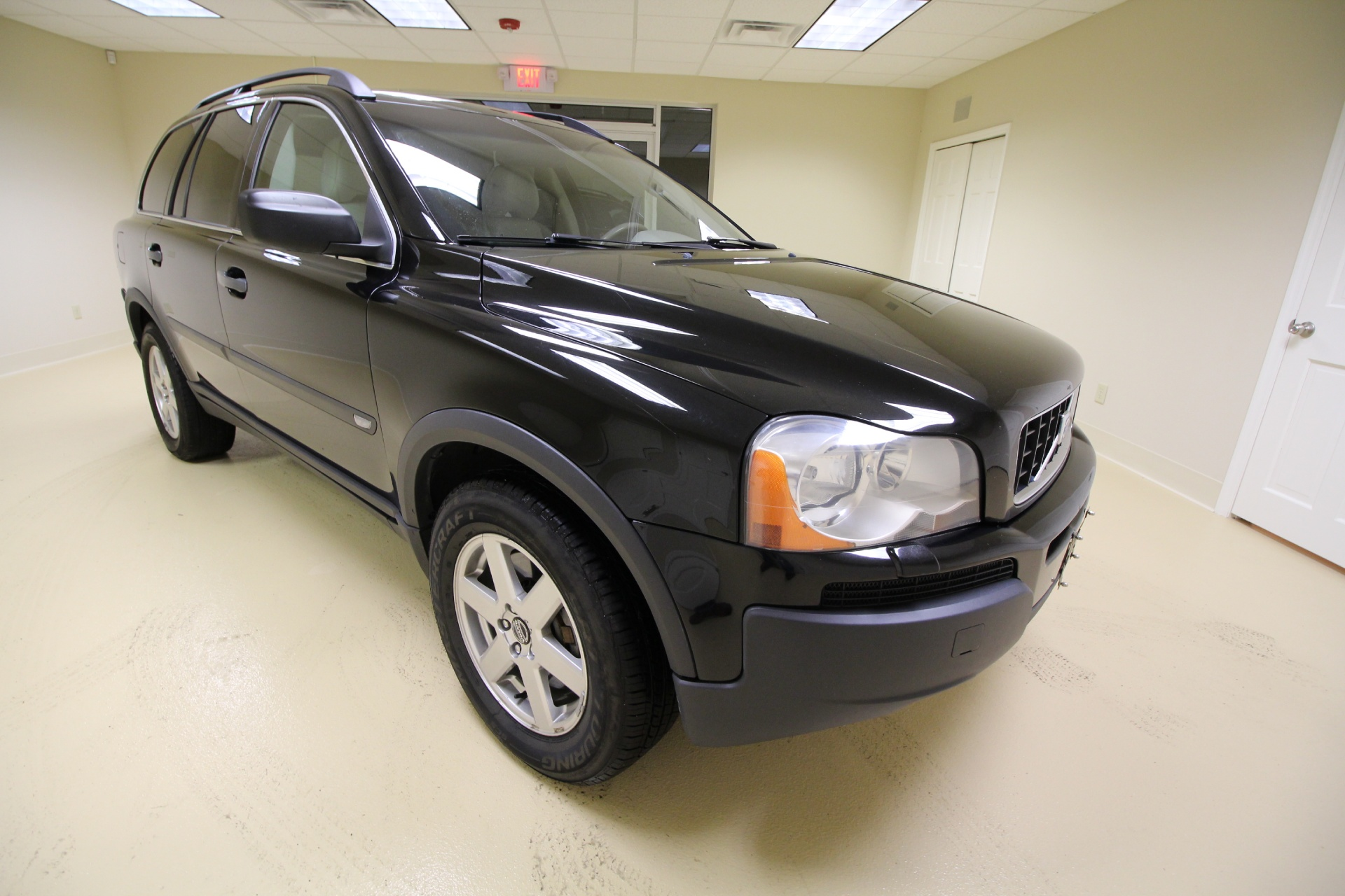 2006 volvo xc90 2 5t awd leather sunroof heated seats rear. Black Bedroom Furniture Sets. Home Design Ideas