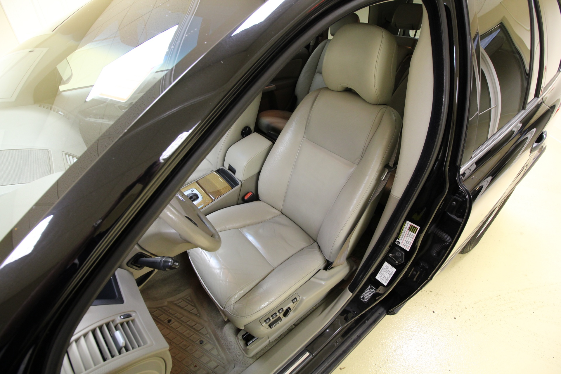 2006 Volvo XC90 2.5T AWD LEATHER,SUNROOF,HEATED SEATS,REAR ...