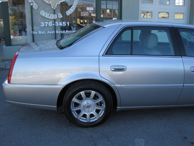 Used 2008 Cadillac DTS Luxury II SUPER CLEAN,ONE OWNER TRADE IN,LOW MILES | Albany, NY