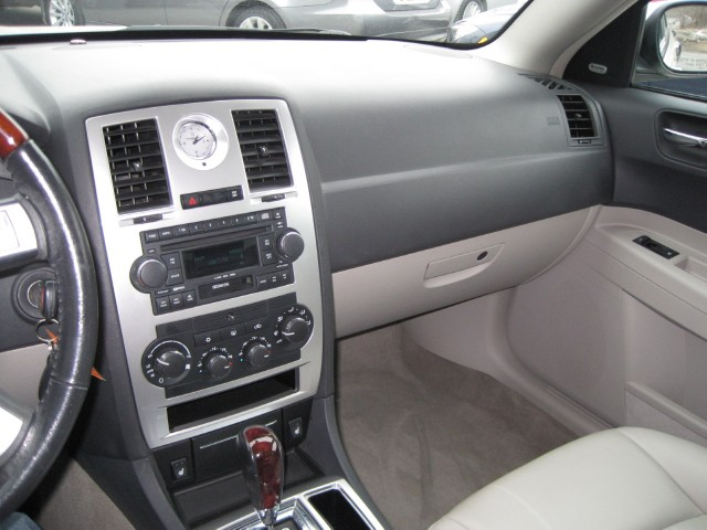 Used 2006 Chrysler 300 C HEMI V8,LOADED,LEATHER,SUNROOF,BOSTON AQOUSTICS,SUPER LOW MILES | Albany, NY