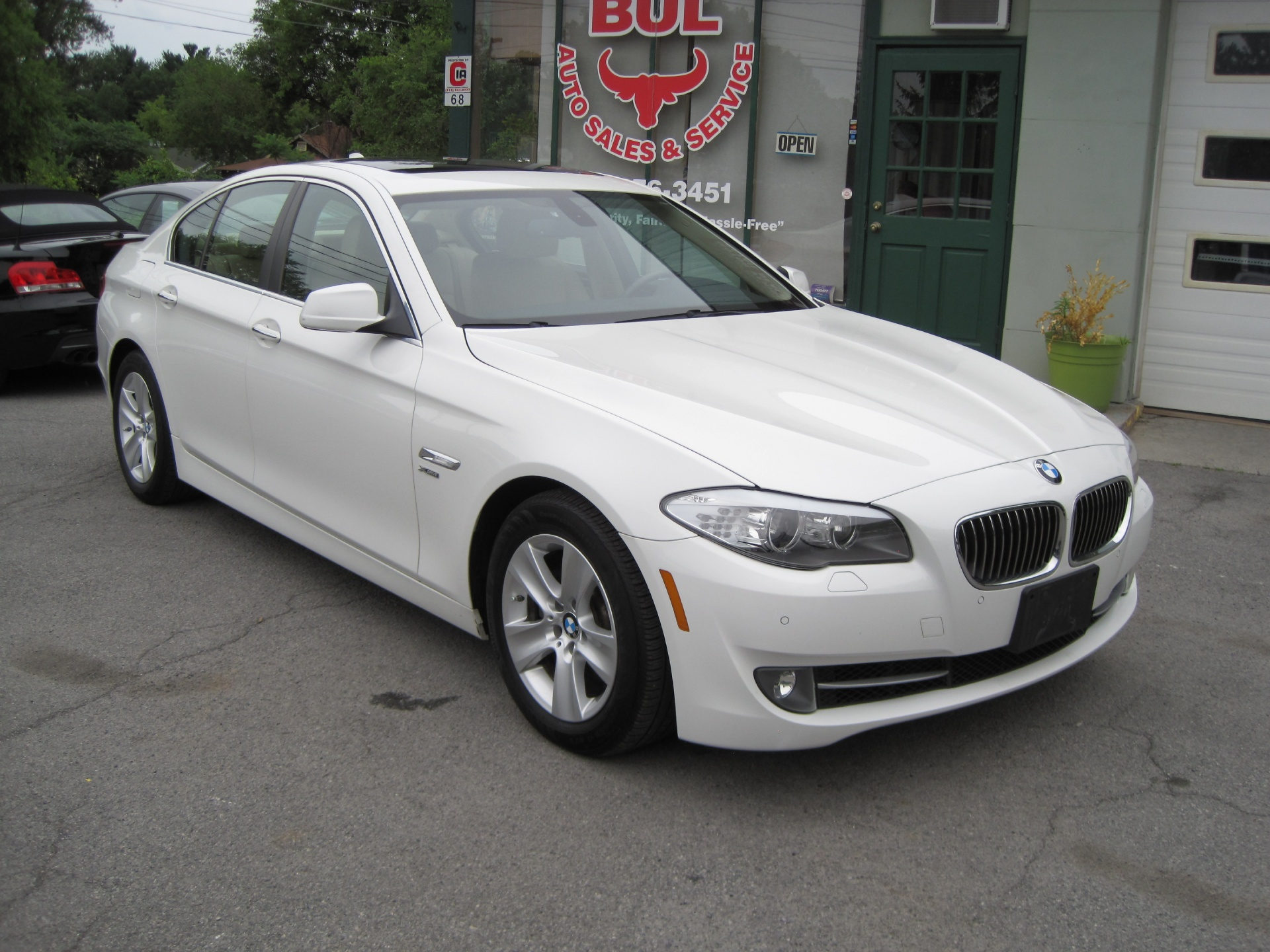 2012 bmw 5 series 528i xdrive white on beige navigation premium cold wthr technology pkgs stock. Black Bedroom Furniture Sets. Home Design Ideas