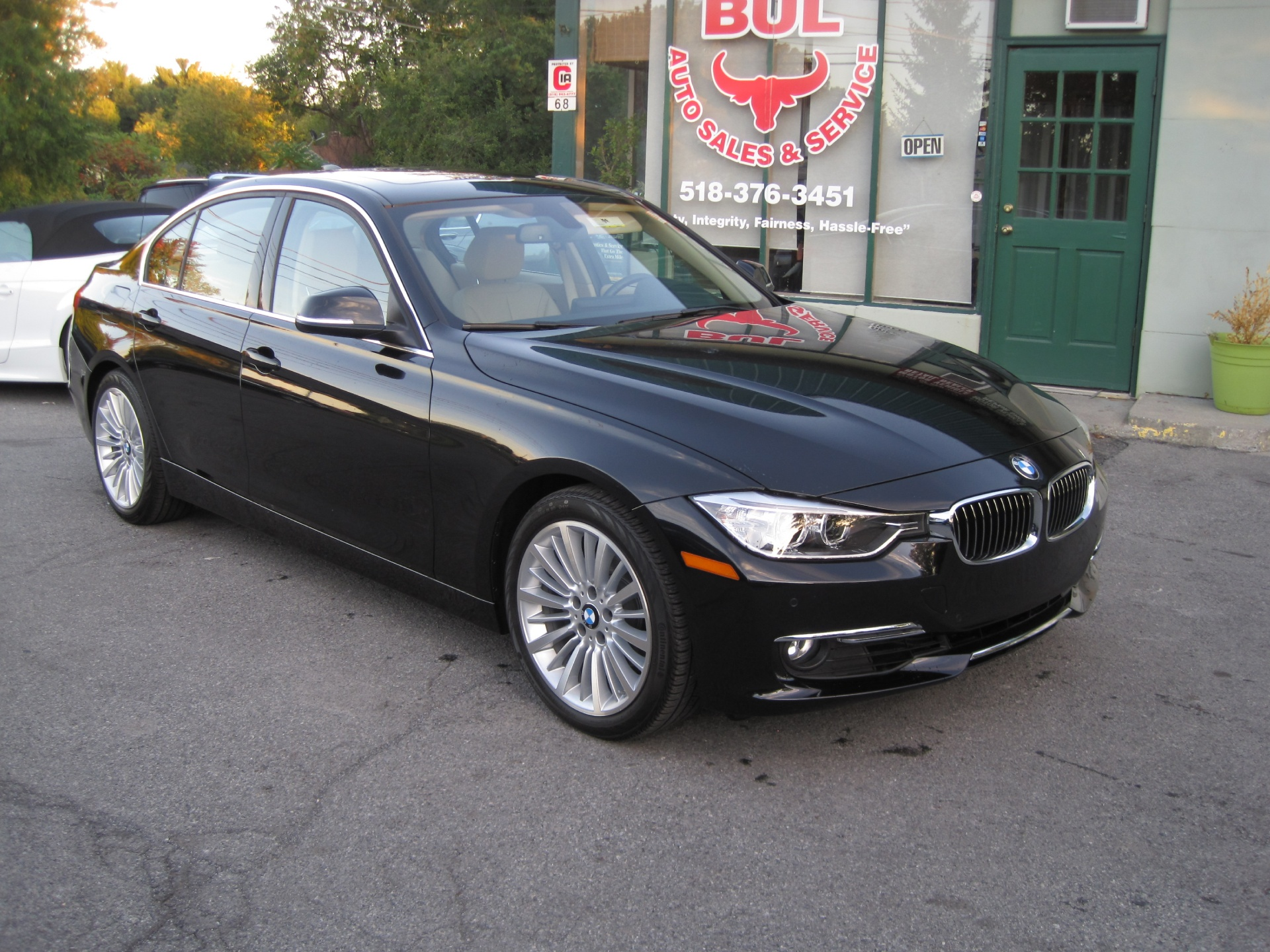 2013 bmw 3 series 328i super loaded luxury line heads up tech navi xenons led and more stock. Black Bedroom Furniture Sets. Home Design Ideas