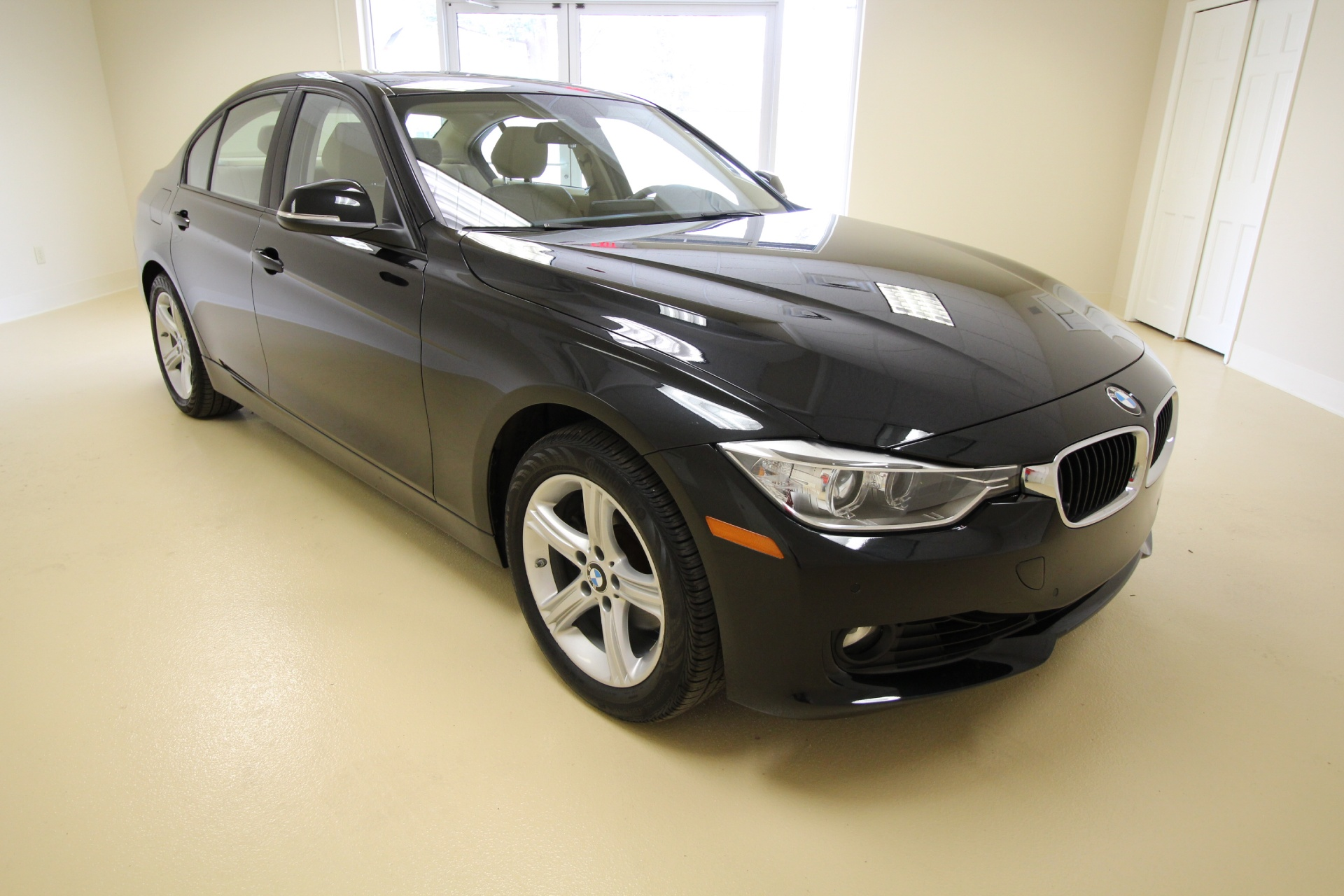 BMW Series I XDrive LOADED WITH OPTIONSLED HALOSXENONS - Bmw 328i options