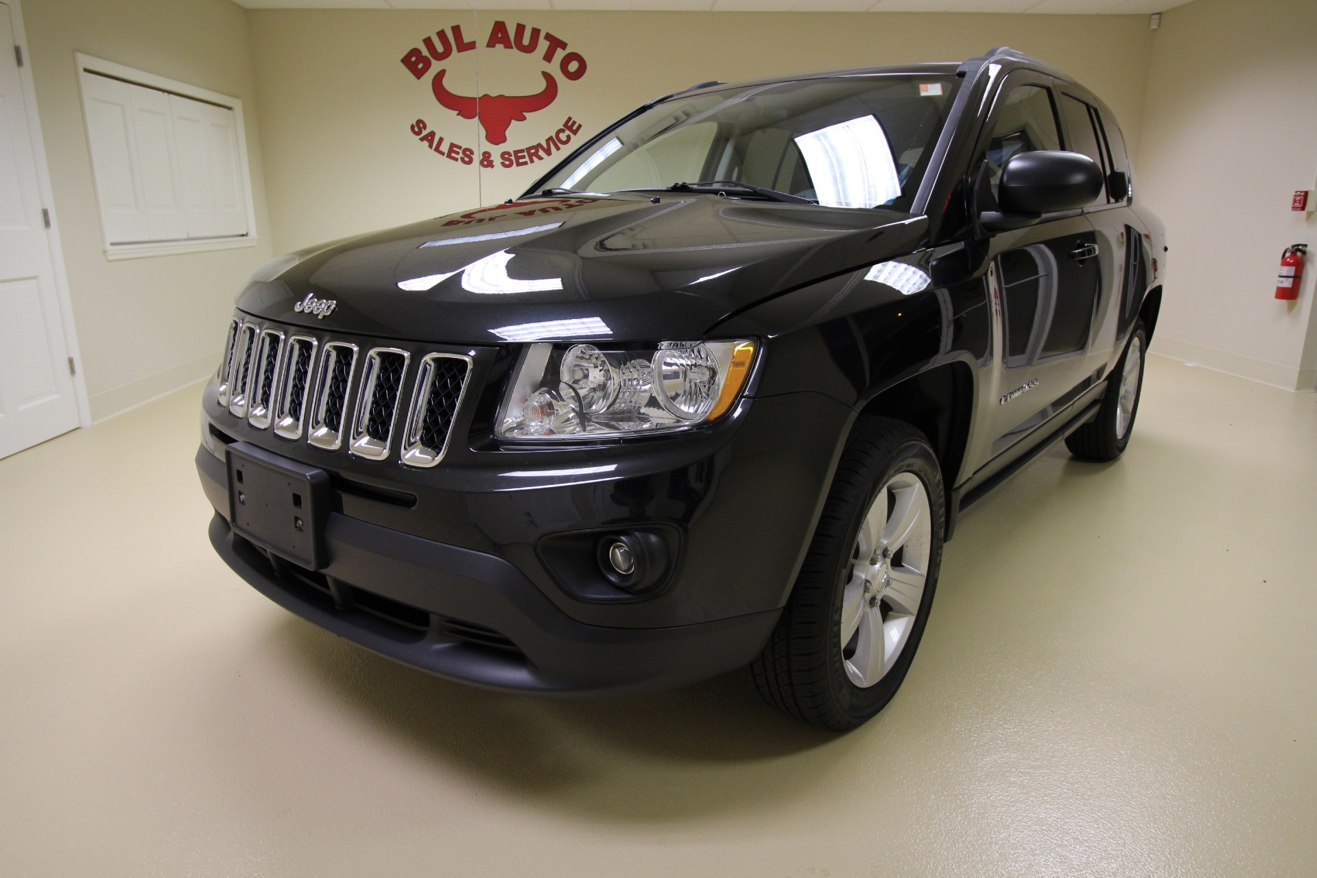 2011 jeep compass latitude 4x4 4wd awd very clean low. Black Bedroom Furniture Sets. Home Design Ideas