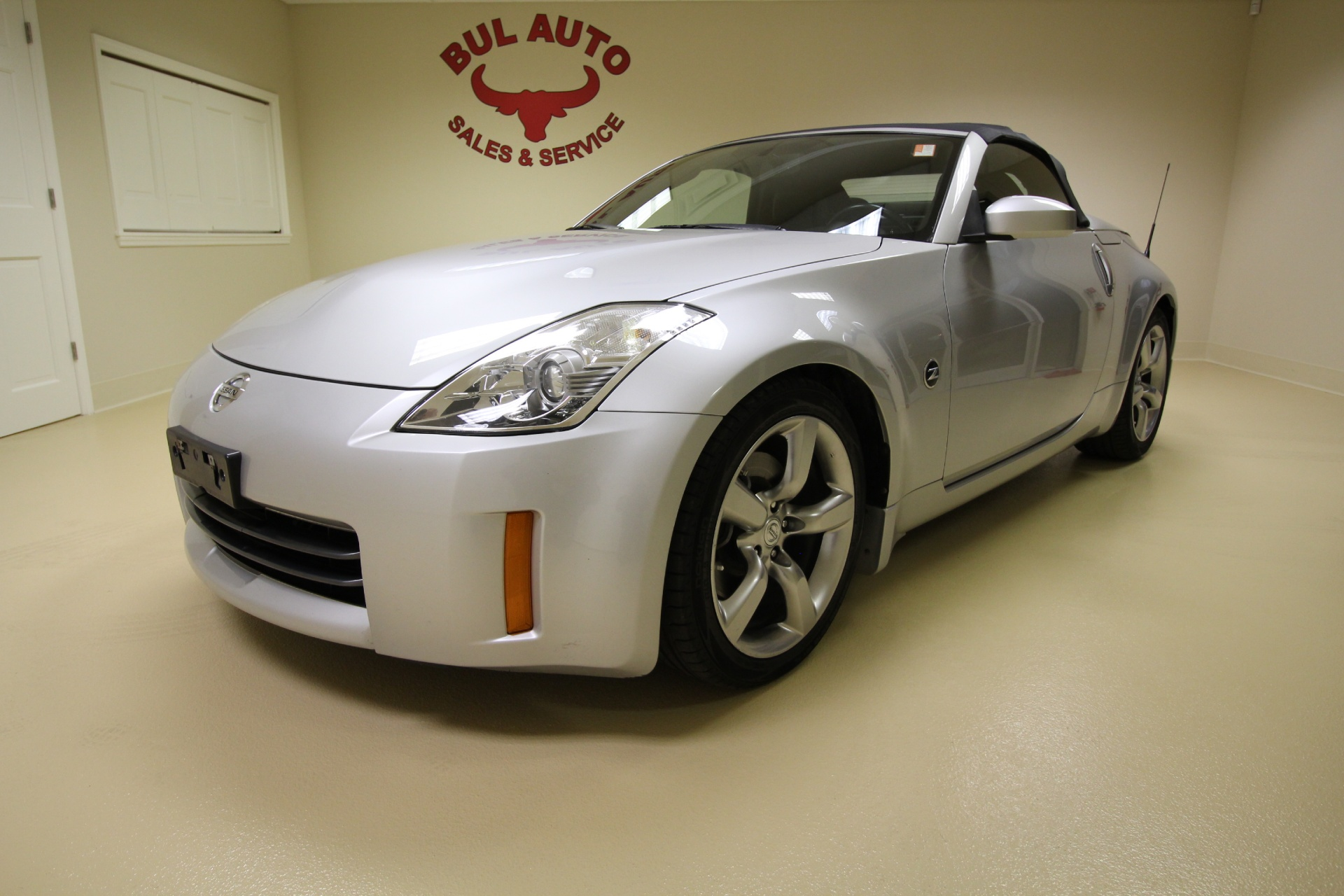2007 nissan 350z grand touring roadster super clean low miles automatic stock 16101 for sale. Black Bedroom Furniture Sets. Home Design Ideas