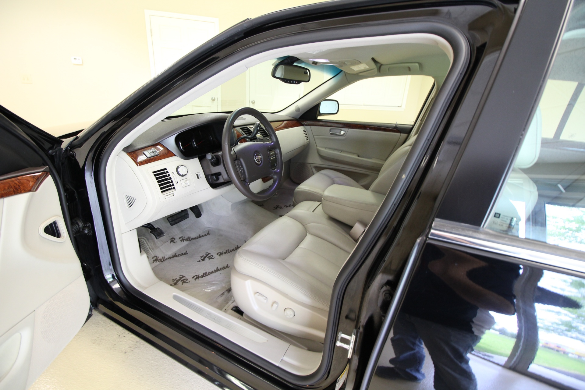 Used 2007 Cadillac DTS Luxury I SUPERB CONDITION,SUPER NICE,LOW MILES | Albany, NY