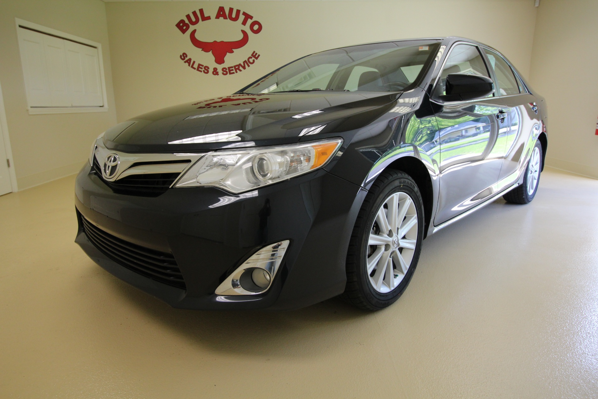 2012 toyota camry xle super clean back up camera leather sunroof heated seats stock 16124 for. Black Bedroom Furniture Sets. Home Design Ideas