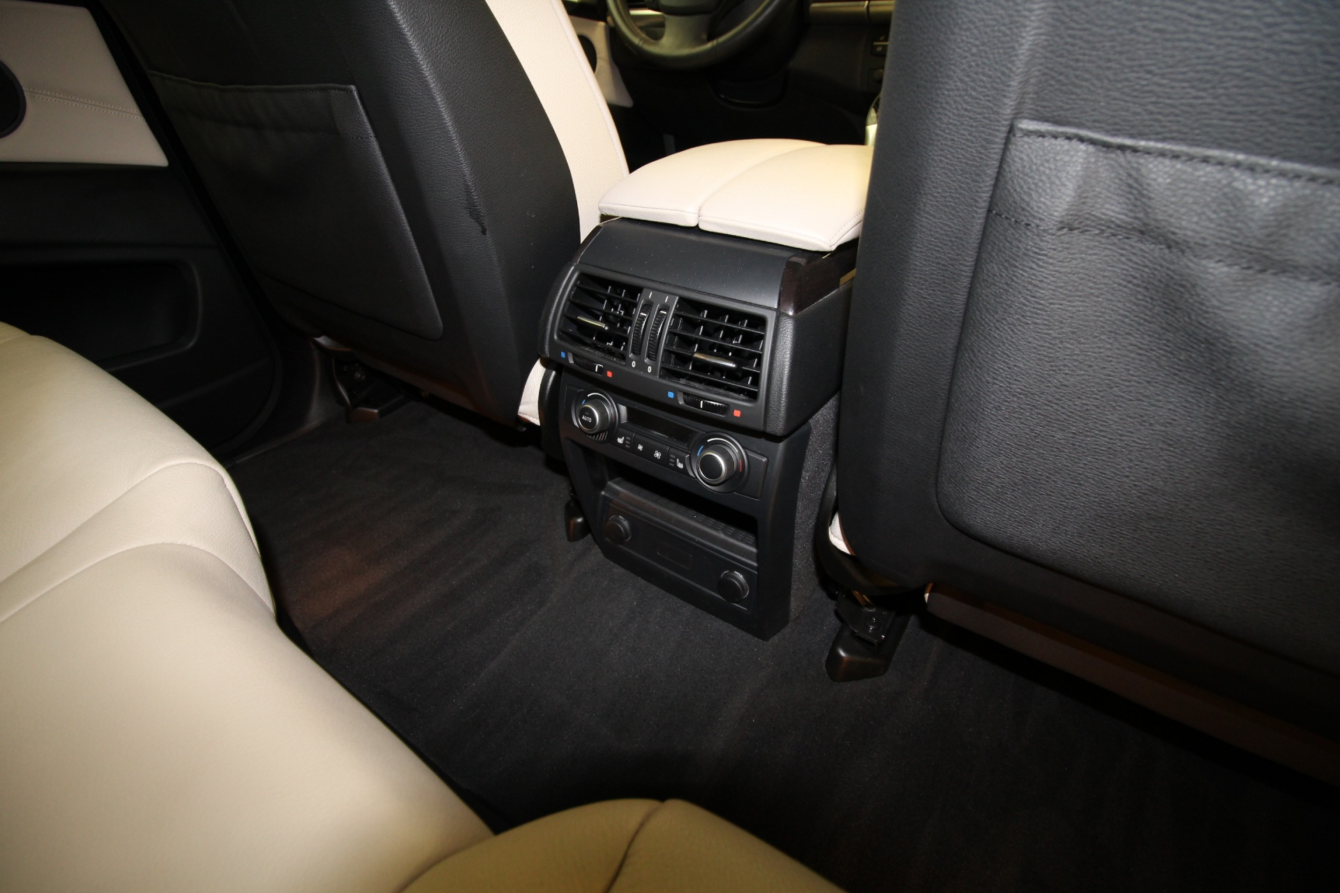 2015 bmw x5 with 3rd row autos post. Black Bedroom Furniture Sets. Home Design Ideas